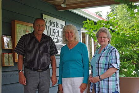 Hon. John Duncan visits the Museum greeted by Nancy Kendel and Lynne Jordan